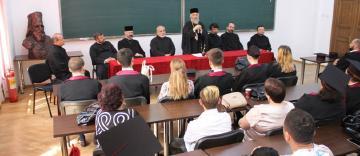 Cursul festiv al studenţilor şi masteranzilor teologi de la Facultatea de Istorie, Filosofie şi Teologie din Galaţi