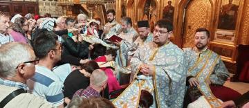 Activitate filantropică la Catedrala Arhiepiscopală din Galaţi în Duminica slăbănogului de la Vitezda