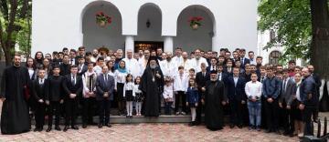 """Revedere după 20 de ani a promoţiei 1999 a Seminarului Teologic """"Sf. Ap. Andrei"""" din Galaţi"""