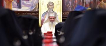 Ce hotărâri au adoptat ierarhii români reuniți în sinod?