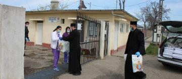 Arhiepiscopia Dunării de Jos ajută persoanele internate la Centrul Medico-Social din localitatea Pechea, judeţul Galaţi
