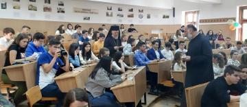 """Zi de bucurie şi de binecuvântare pentru elevii Colegiului Naţional """"Gheorghe Munteanu Murgoci"""" din Brăila"""