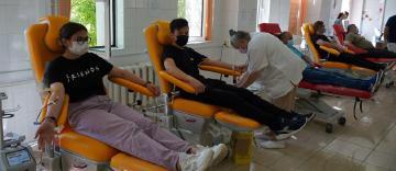 O nouă acţiune de donare de sânge a preoţilor şi tinerilor tecuceni