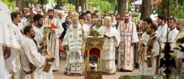 Sfântul Mare Mucenic şi Tămăduitor Pantelimon a fost sărbătorit la Mănăstirea Lacu-Sărat din Brăila