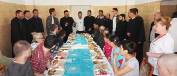 """""""Împreună de Sfintele Paşti"""" la Centrul de Găzduire pentru persoanele fără adăpost din Brăila"""