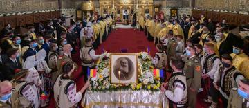 Rămăşiţele pământeşti ale Episcopului Nifon Niculescu au fost aduse în Catedrala Arhiepiscopală