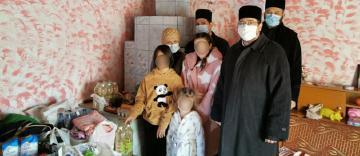 Sprijin din partea bisericii pentru o familie cu trei copii din localitatea Costache Negri, rămasă fără locuinţă în urma unui incendiu